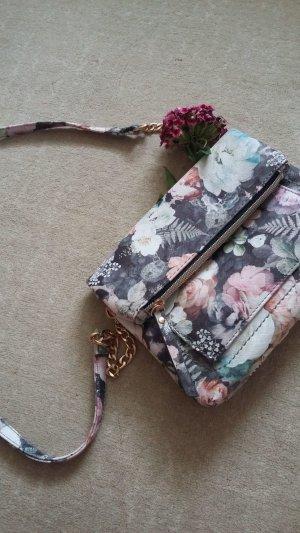 Handtasche mit Blüten|