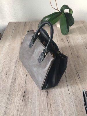 Handtasche mit drei Fächern