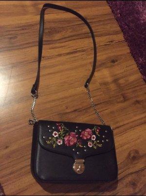 Handtasche mit gestickten Blumen