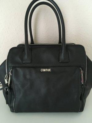 Handtasche mit Reißverschlüssen