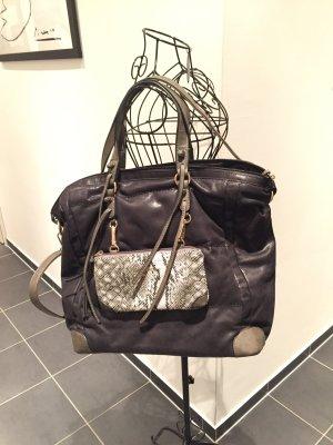 Handtasche mit schicken Details