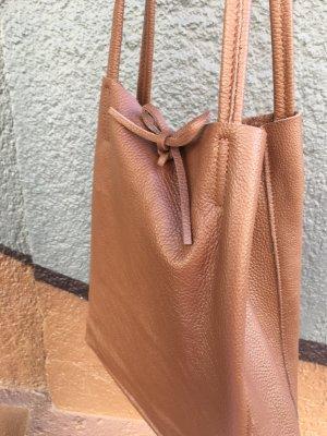 Handtasche Schultertasche braun Kalbsleder Shopper Vera Pella