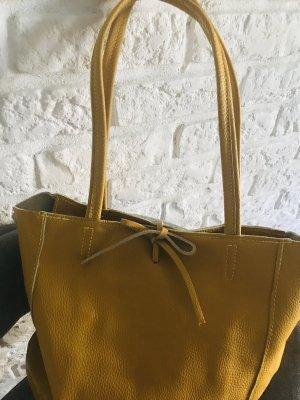 Handtasche Tasche Leder Ledertasche Rücksack neu Senf mit Reißverschluss