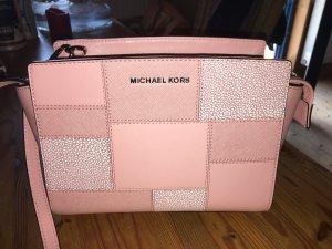 Handtasche und Geldbeutel von Michael Kors