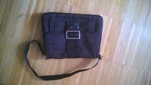Handtasche von Bennetton mit tollem Labelmuster