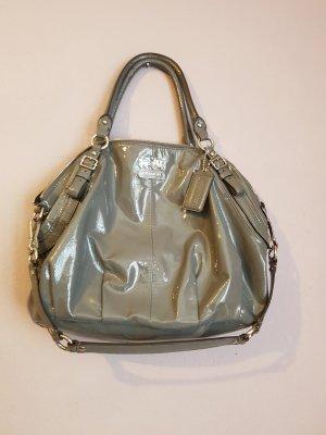 Handtasche von Coach grau glänzend Lackleder