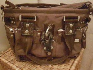 Handtasche von GGL mit vielen Fächern