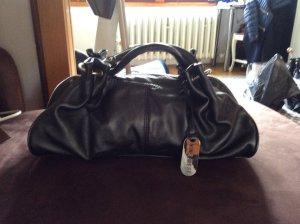 Handtasche von Nina West.