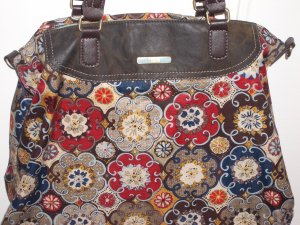 Handtasche von Oilily mit sommerlichem Blumenmuster