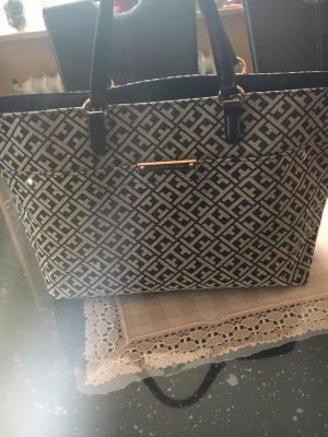 Handtasche von Tommy Hilfiger in schwarz  beige