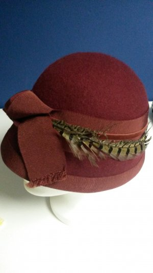 Felt Hat brown red-bordeaux wool