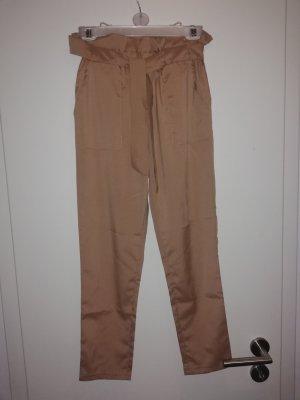 Pantalón estilo Harem beige
