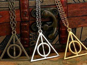 Harry Potter Heiligtümer des Todes Kette gold silber Bronze xenophilius Lovegood Hogwarts Gryffindor Slytherin Ravenclaw