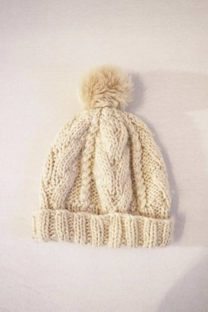 H&M Knitted Hat oatmeal-natural white