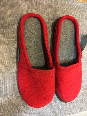 Pantuflas rojo