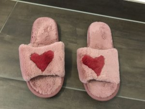 House Shoes pink-red