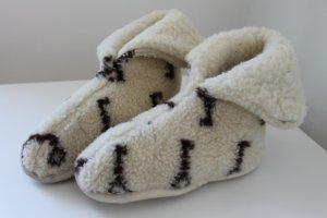 Hausschuhe aus Merino-Wolle
