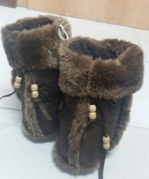 House Shoes brown