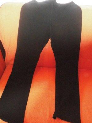 hautenge Stoffhose in Größe M, elastisch dem Körper anpassend