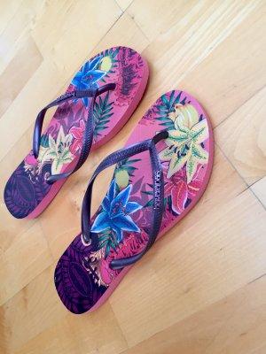 Havaianas Flip Flops - tropical