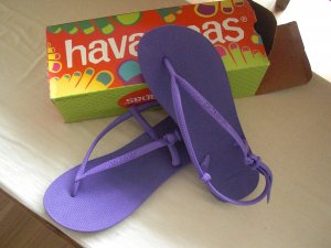 Havaianas High-Heeled Toe-Post Sandals dark violet