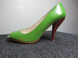 heiße Stilettos grün mit Holzabsatz