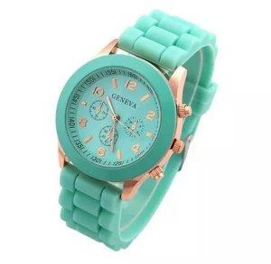 Heiße Verkäufe Genfer Marke Frauen Uhr Damenmode Kleid Quarz Armbanduhr Weibliche Uhr