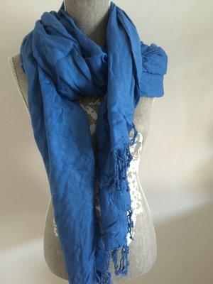 Hell blauer Schal mit Fransen