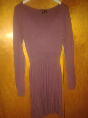 Hell-purpurfarbenes Strickkleid