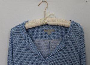 Hellblau gemustertes Shirt von Comma aus reiner Viskose