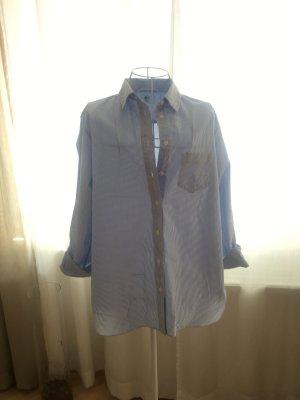 Hellblau gestreifte Bluse