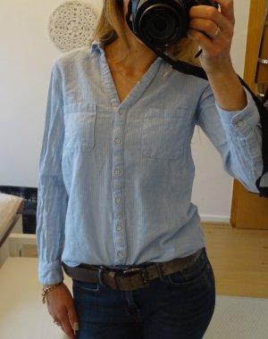 hellblau gestreifte Bluse von Mango