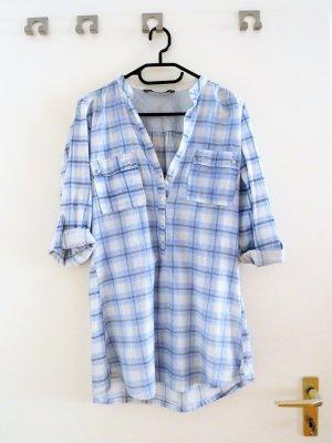 Hellblau karrierte Oversized Bluse