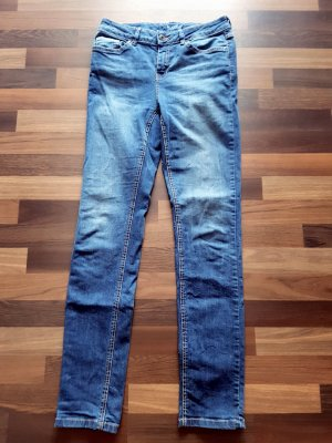 Hellblaue 5-Pocket Jeans