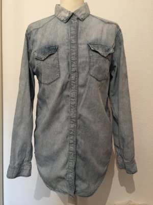 Hellblaue Bluse Jeans Stone Washed