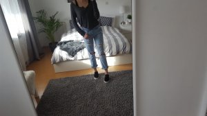 Hellblaue Boyfriendjeans Zara destroyed