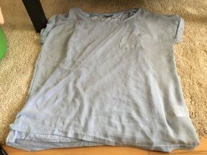 Hellblaue doppellagige Bluse