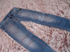 Hellblaue G-Star Röhrenjeans mit Waschungen - Weite 25 / Länge 32