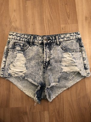 Hellblaue Hotpants