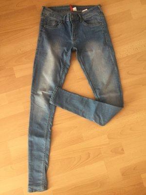 Hellblaue Jeans regulär waist