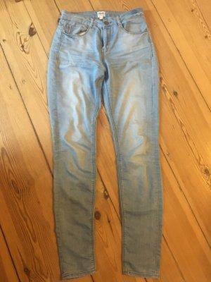Hellblaue Jeans von Asos