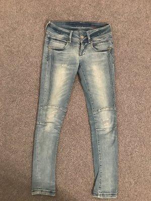 Hellblaue Jeans von Cross