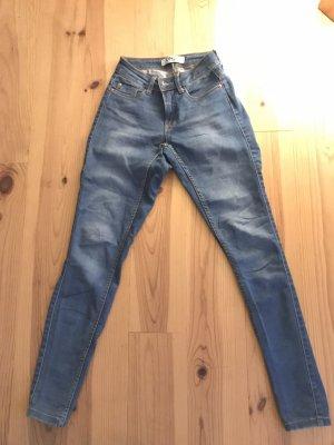 Hellblaue Jeans von Only