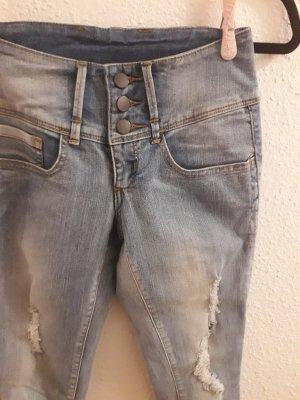 Hellblaue Jeans von Pieces Größe XS S