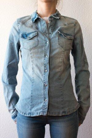 Hellblaue Jeansbluse von Only