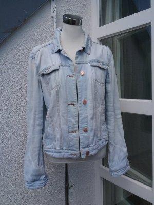 Hellblaue Jeansjacke von Mango