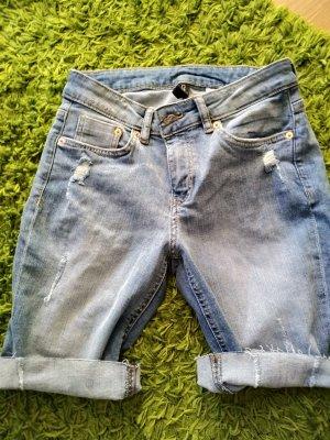 H&M Divided Pantaloncino di jeans azzurro