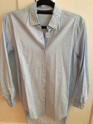 Hellblaue lange Bluse mit Perlen XS