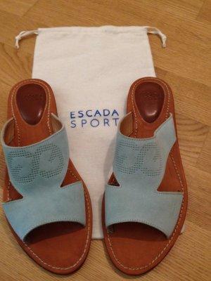 hellblaue Ledersandalen mit Escada Logo