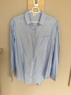 Hellblaue Oversize-Bluse